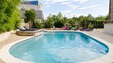 "Hotel Romans Pool. Images powered by <a href='http://web.iceportal.com'  target=""_blank"">Ice Portal</a>."