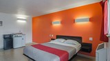 "Motel 6 Riverton Room. Images powered by <a href='http://web.iceportal.com'  target=""_blank"">Ice Portal</a>."