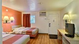 "Motel 6 Brattleboro Room. Images powered by <a href='http://web.iceportal.com'  target=""_blank"">Ice Portal</a>."