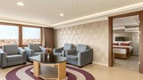 "Ramada Usak Suite. Images powered by <a href='http://web.iceportal.com'  target=""_blank"">Ice Portal</a>."