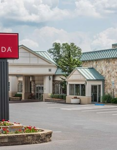 Ramada State College Hotel & Conf Ctr