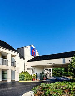 Motel 6 Roanoke Airport