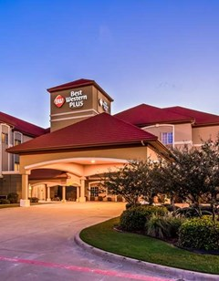 Best Western Plus Monica Royale Inn Stes