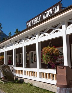 Swiftcurrent Motor Inn & Cabins