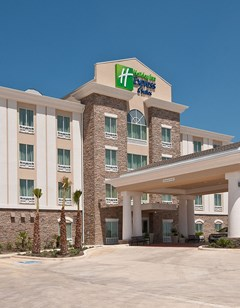 Holiday Inn Express & Suites Pearsall