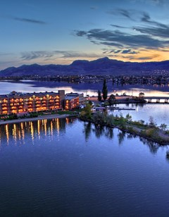 Holiday Inn & Suites Osoyoos