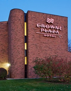 Crowne Plaza Grand Rapids-Airport