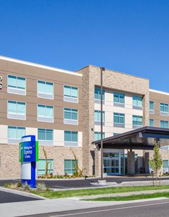 Holiday Inn Express & Suites Union Gap