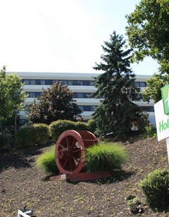 Holiday Inn Clinton-Bridgewater