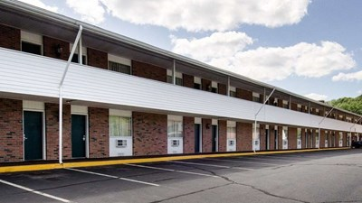 Econo Lodge Inn & Suites Northborough