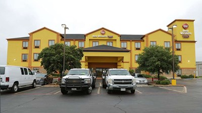 Best Western Plus Schulenburg Inn & Stes