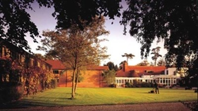 Redwood Hotel & Country Club