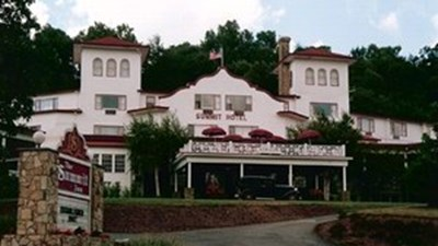 The Historic Summit Inn Resort