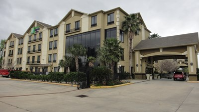 Holiday Inn Express & Suites Houston Nor