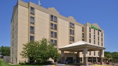 Holiday Inn Express Omaha West - 90th St