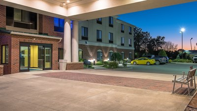Holiday Inn Express & Suites Lafayette E