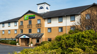 Holiday Inn Express Swansea-West