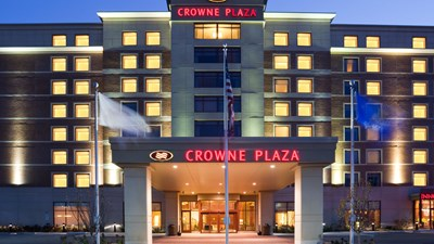 Crowne Plaza Hotel Milwaukee West