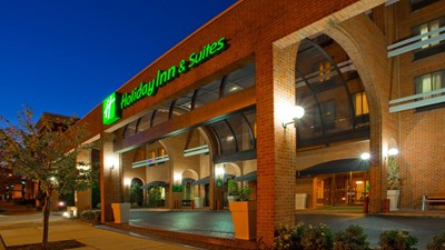 Holiday Inn Hotel & Suites Alexandria