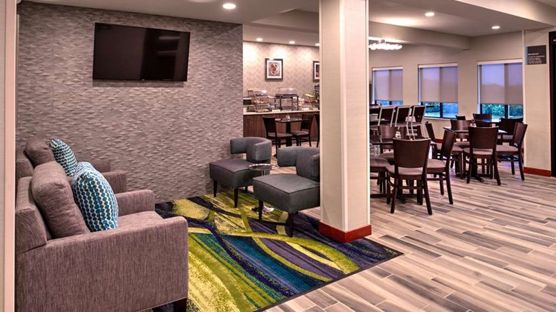 "Best Western Saint Clairsville Lobby. Images powered by <a href='http://web.iceportal.com'  target=""_blank"">Ice Portal</a>."
