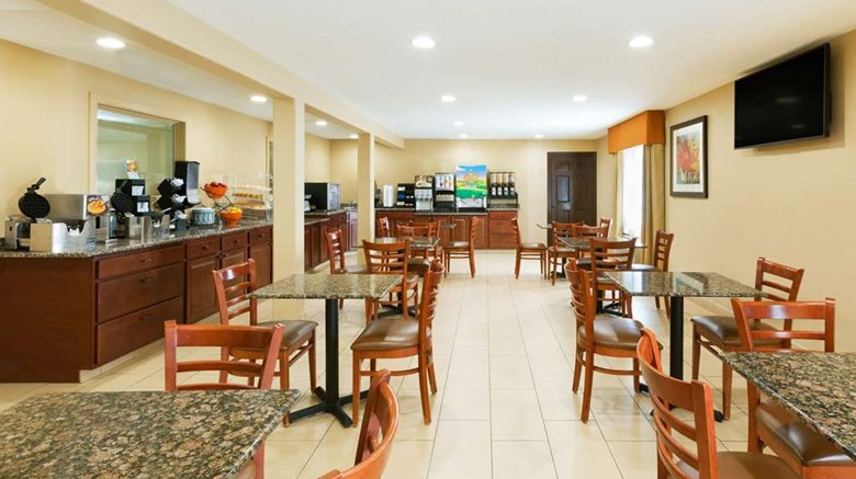 "Days Inn & Suites Other. Images powered by <a href='http://web.iceportal.com'  target=""_blank"">Ice Portal</a>."