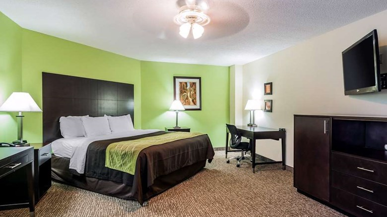 "Hometown Inn Thomasville Suite. Images powered by <a href='http://web.iceportal.com'  target=""_blank"">Ice Portal</a>."