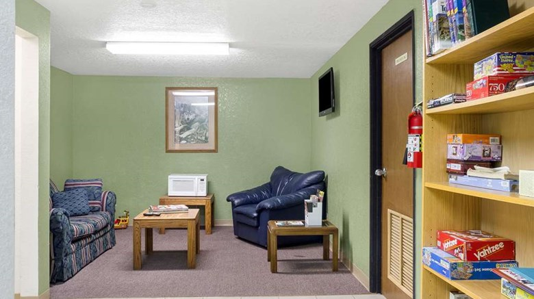 "Econo Lodge Other. Images powered by <a href='http://web.iceportal.com'  target=""_blank"">Ice Portal</a>."