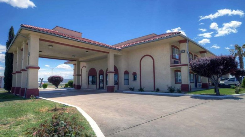 "Econo Lodge, Van Horn Exterior. Images powered by <a href='http://web.iceportal.com'  target=""_blank"">Ice Portal</a>."
