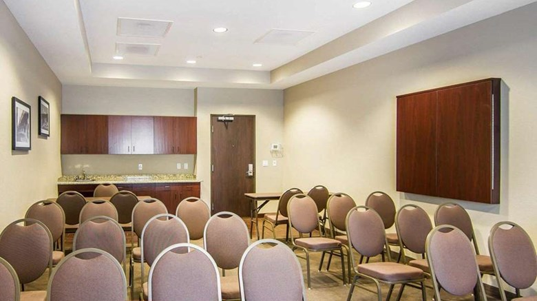 "Sleep Inn Lufkin Meeting. Images powered by <a href='http://web.iceportal.com'  target=""_blank"">Ice Portal</a>."
