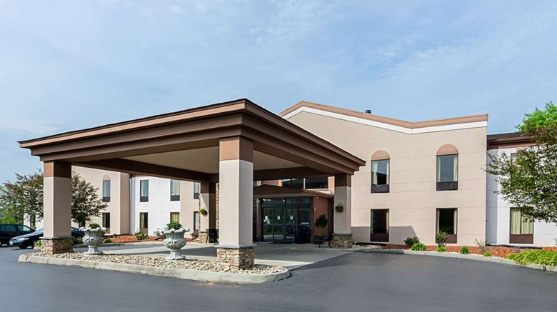 "Quality Inn Altavista Exterior. Images powered by <a href='http://web.iceportal.com'  target=""_blank"">Ice Portal</a>."