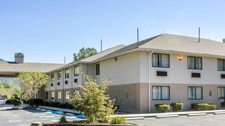 "Quality Inn Harlan Exterior. Images powered by <a href='http://web.iceportal.com'  target=""_blank"">Ice Portal</a>."