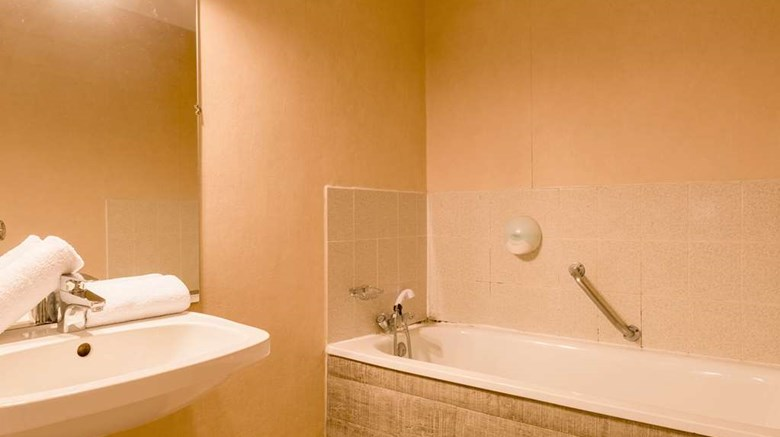 "Comfort Hotel Valence Other. Images powered by <a href='http://web.iceportal.com'  target=""_blank"">Ice Portal</a>."