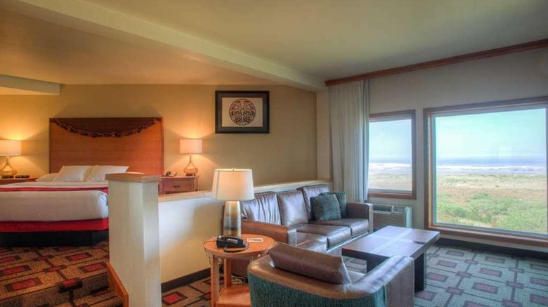 "Quinault Beach Resort & Casino Suite. Images powered by <a href='http://web.iceportal.com'  target=""_blank"">Ice Portal</a>."