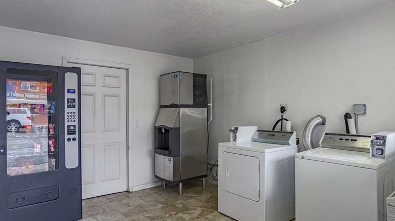 "Motel 6 Riverton Other. Images powered by <a href='http://web.iceportal.com'  target=""_blank"">Ice Portal</a>."