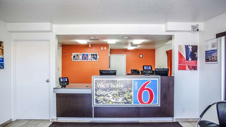 "Motel 6 Richland Kennewick Lobby. Images powered by <a href='http://web.iceportal.com'  target=""_blank"">Ice Portal</a>."