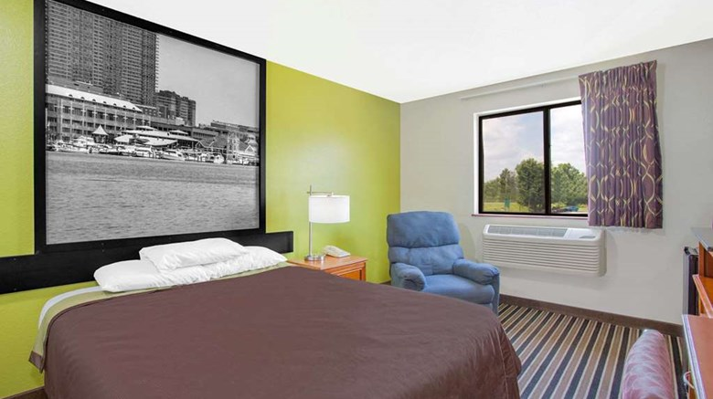 "Super 8 South Boston VA Room. Images powered by <a href='http://web.iceportal.com'  target=""_blank"">Ice Portal</a>."