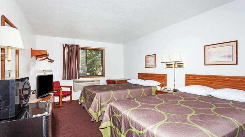 "Super 8 Winchester Room. Images powered by <a href='http://web.iceportal.com'  target=""_blank"">Ice Portal</a>."