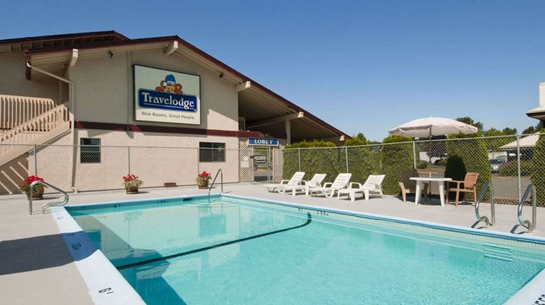 "Travelodge Courtenay Pool. Images powered by <a href='http://web.iceportal.com'  target=""_blank"">Ice Portal</a>."