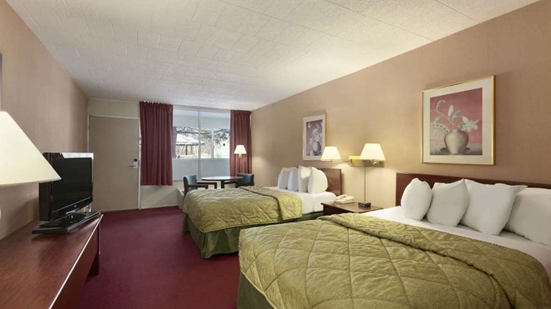 "Ramada Hazleton Room. Images powered by <a href='http://web.iceportal.com'  target=""_blank"">Ice Portal</a>."