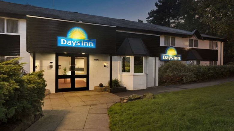 "Days Inn Fleet M3 Exterior. Images powered by <a href='http://web.iceportal.com'  target=""_blank"">Ice Portal</a>."
