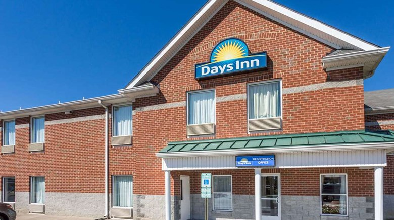 "Days Inn Glen Allen Exterior. Images powered by <a href='http://web.iceportal.com'  target=""_blank"">Ice Portal</a>."
