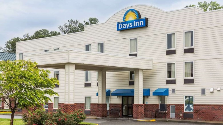 "Days Inn Doswell At the Park Exterior. Images powered by <a href='http://web.iceportal.com'  target=""_blank"">Ice Portal</a>."