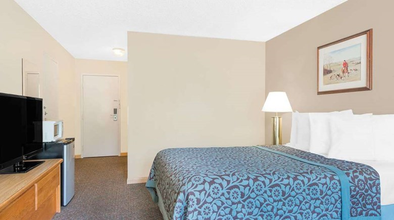 "Days Inn Thermopolis Room. Images powered by <a href='http://web.iceportal.com'  target=""_blank"">Ice Portal</a>."