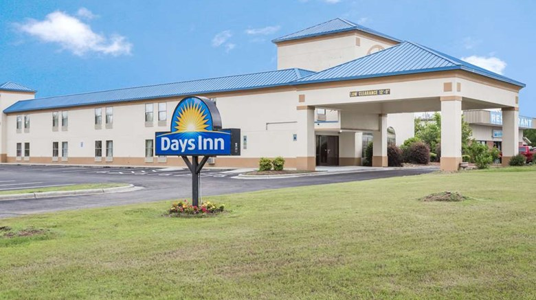 "Days Inn Selma Exterior. Images powered by <a href='http://web.iceportal.com'  target=""_blank"">Ice Portal</a>."
