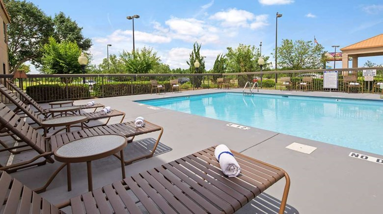 "SureStay Plus Hotel By BW Roanoke Rapids Pool. Images powered by <a href='http://web.iceportal.com'  target=""_blank"">Ice Portal</a>."