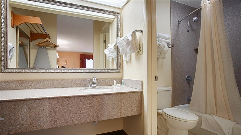 "Best Western Of Walterboro Room. Images powered by <a href='http://web.iceportal.com'  target=""_blank"">Ice Portal</a>."