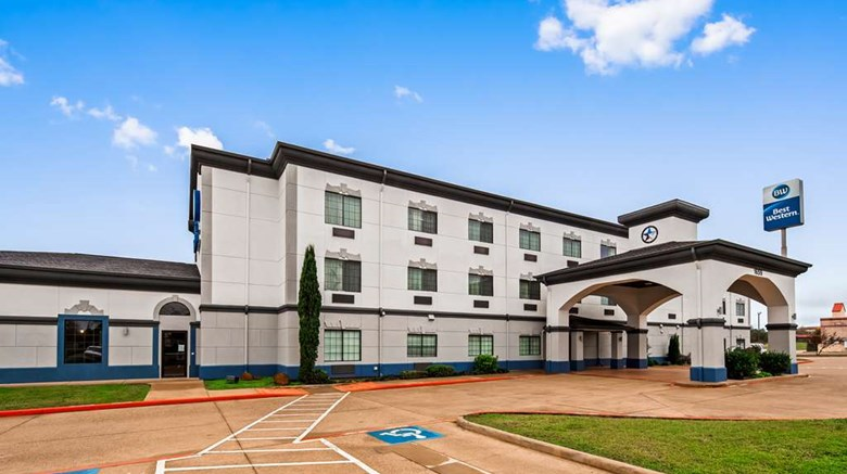 "Best Western Executive Inn Exterior. Images powered by <a href='http://web.iceportal.com'  target=""_blank"">Ice Portal</a>."