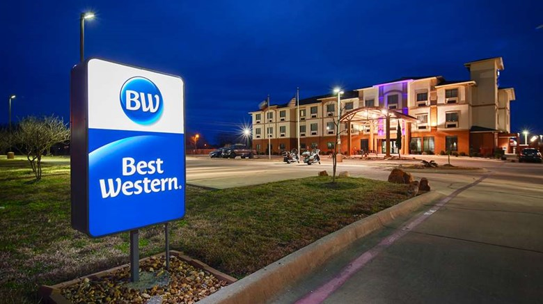 "Best Western Giddings Inn & Suites Exterior. Images powered by <a href='http://web.iceportal.com'  target=""_blank"">Ice Portal</a>."