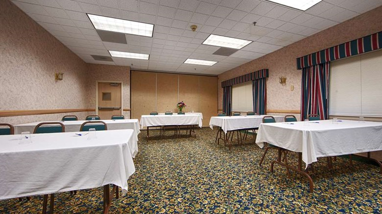 "Best Western Saranac Lake Meeting. Images powered by <a href='http://web.iceportal.com'  target=""_blank"">Ice Portal</a>."