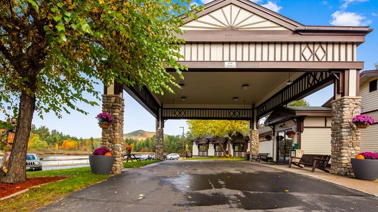 "Best Western Saranac Lake Exterior. Images powered by <a href='http://web.iceportal.com'  target=""_blank"">Ice Portal</a>."